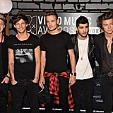 The guys of One Direction walked the VMAs red carpet together.