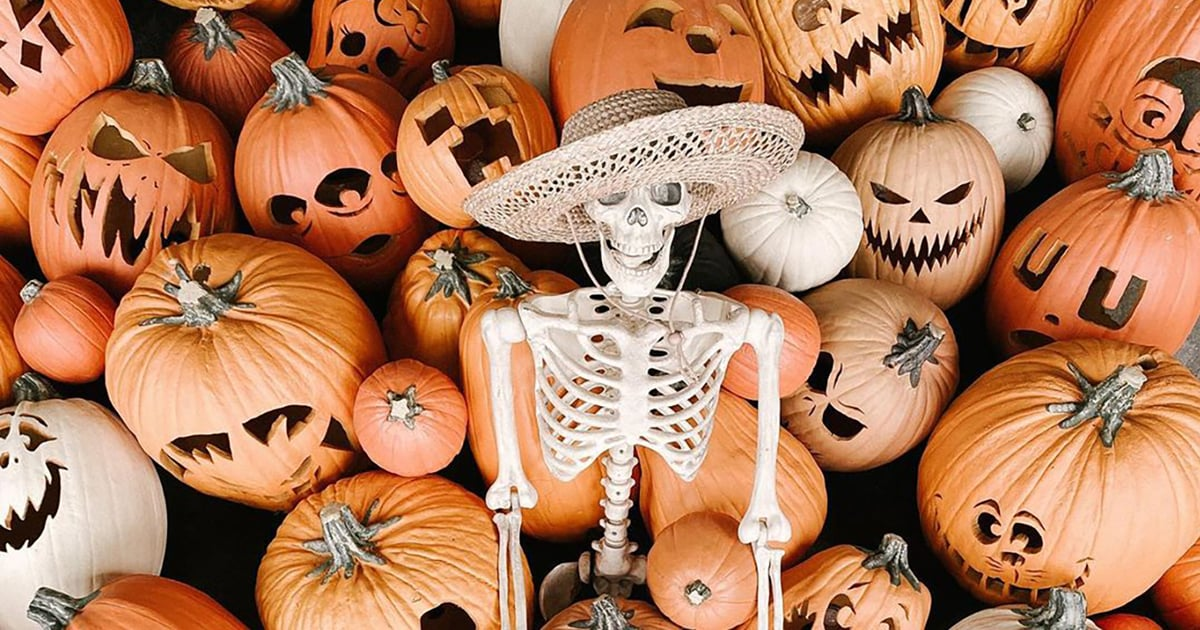 All the Halloween Aesthetic Inspo You Need to Spookify Your iPhone Home Screen