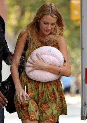 Blake Lively Seen on Gossip Girl Set With Penny