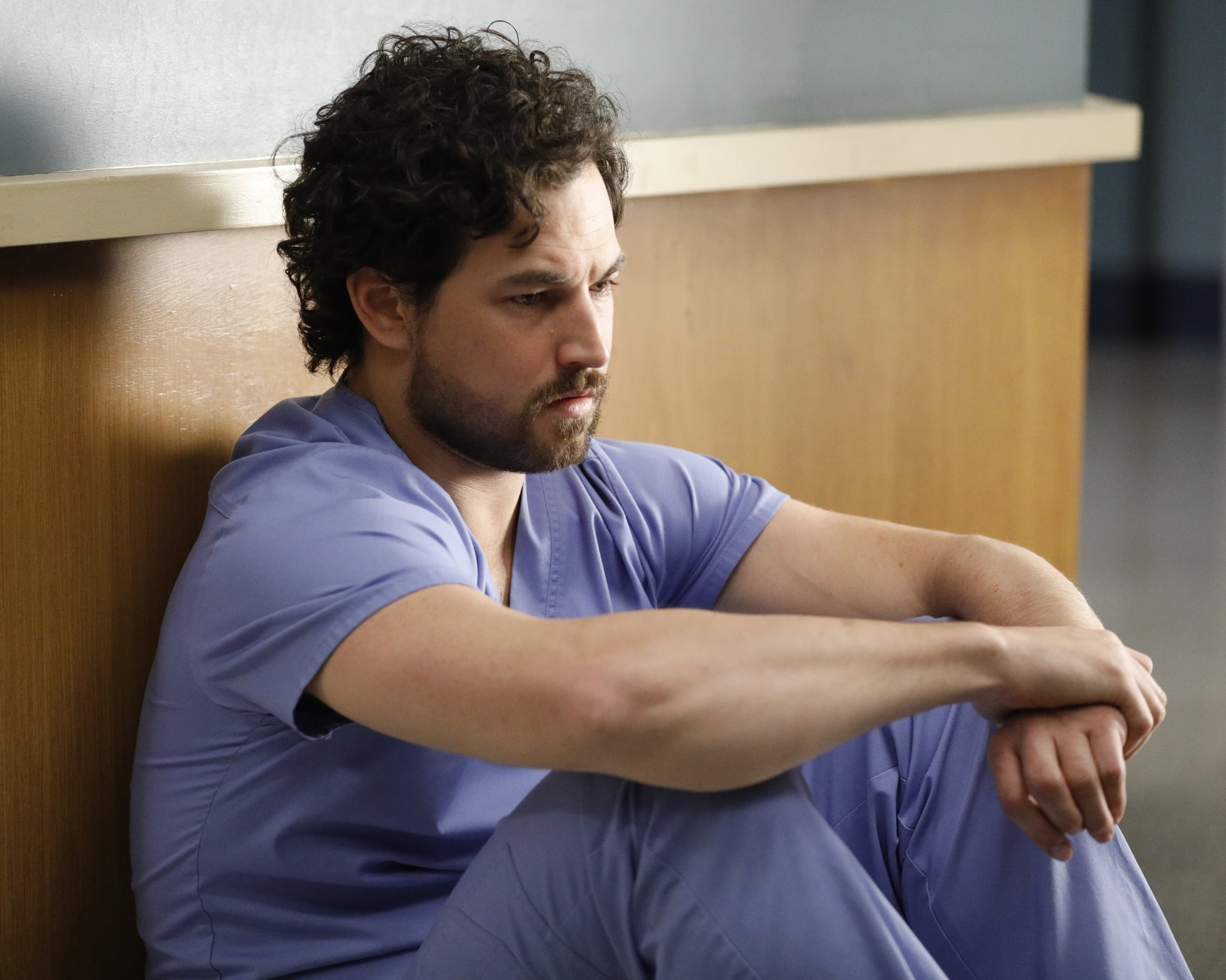 GREYS ANATOMY - Put on a Happy Face  Link tries to convince Amelia to take it easy during the final stage of her pregnancy. Hayes asks Meredith a surprising question, and Owen makes a shocking discovery, on the season finale of Greys Anatomy, THURSDAY, APRIL 9 (9:00-10:01 p.m. EDT), on ABC. (ABC/Raymond Liu)GIACOMO GIANNIOTTI