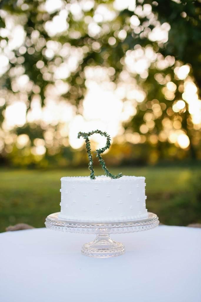An easy recipe for an elegant cake that's hard to forget? A pearl-like pattern that's topped off with a simple initial.