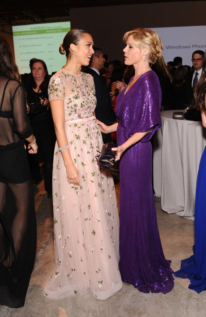 Julie Bowen Chatted with Jessica Alba.