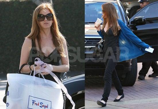 Isla Fisher Shopping in LA
