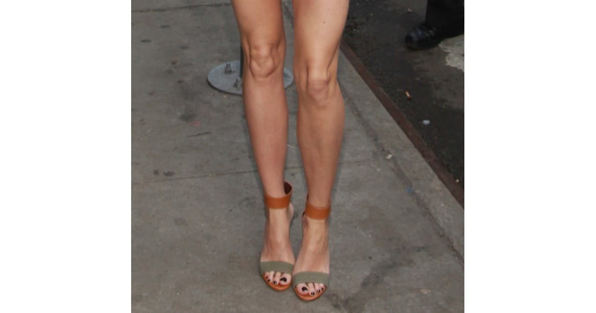 Distinguished Detail The Classic Style With A Colored Twist Gwyneth Paltrow Best Shoes