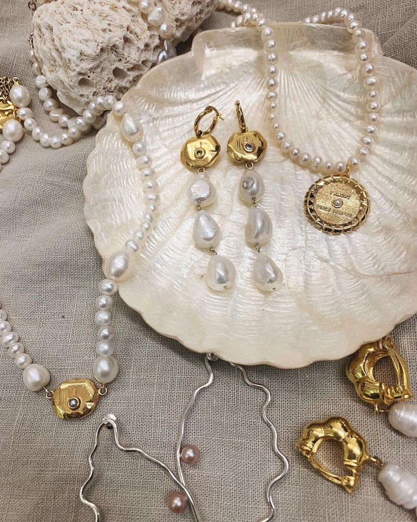 The Best Pearl Necklaces For Summer 2021