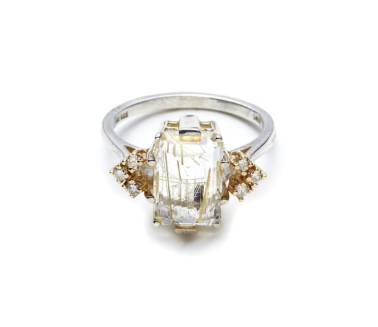 Anna-Sheffield-Bea-Arrow-Ring-Quartz-Champagne-Diamond-1350
