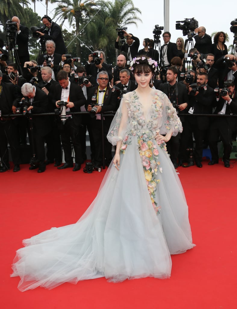 Fan Bingbing channeled her inner fairy princess when she attended the Mad Max: Fury Road premiere in a floral appliqué Marchesa gown. She eveng rocked a flower crown!