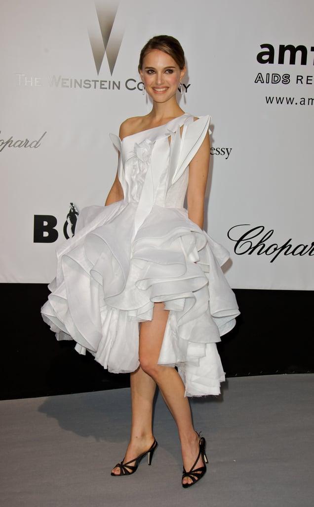 Natalie Portman in Ruffled White Dress at the 2008 amfAR Benefit