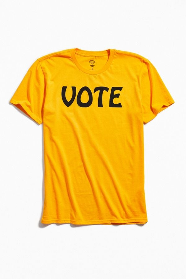 """UO Community Cares + I Am a Voter """"Vote"""" Tee"""