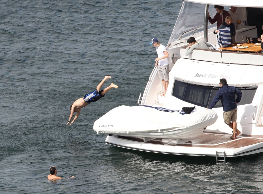 One Direction's Liam Payne took a dive off the boat in Australia.