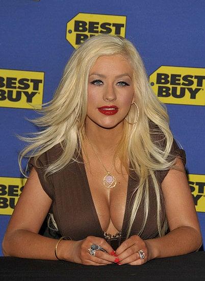 Christina Aguilera Flaunts Her New Stuff