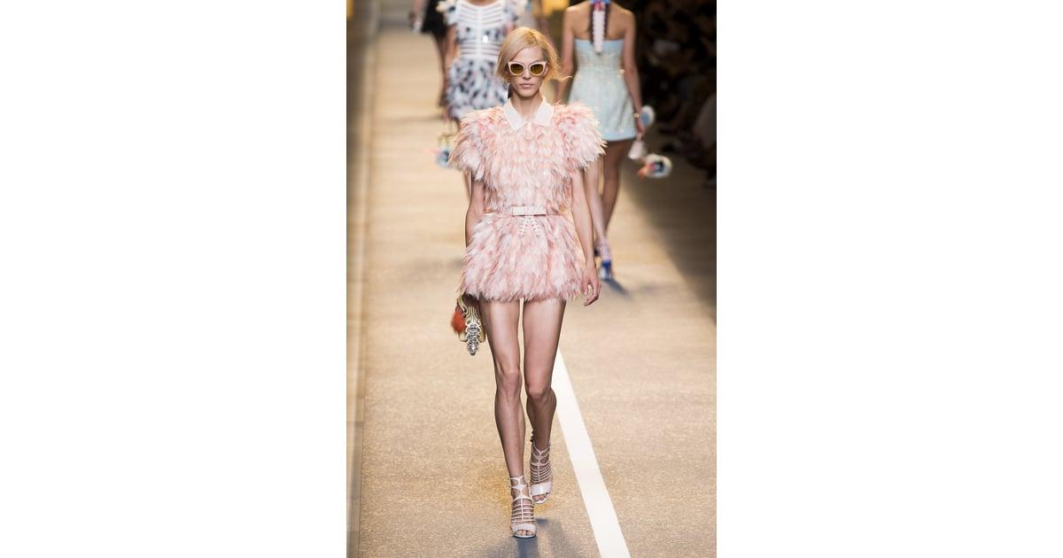 Die neuesten Looks, Trends und die Highlight-Outfits der Saison findest du in den Kollektionen unserer New Yorker-Marken Amisu, Smog, Fishbone und Censored.