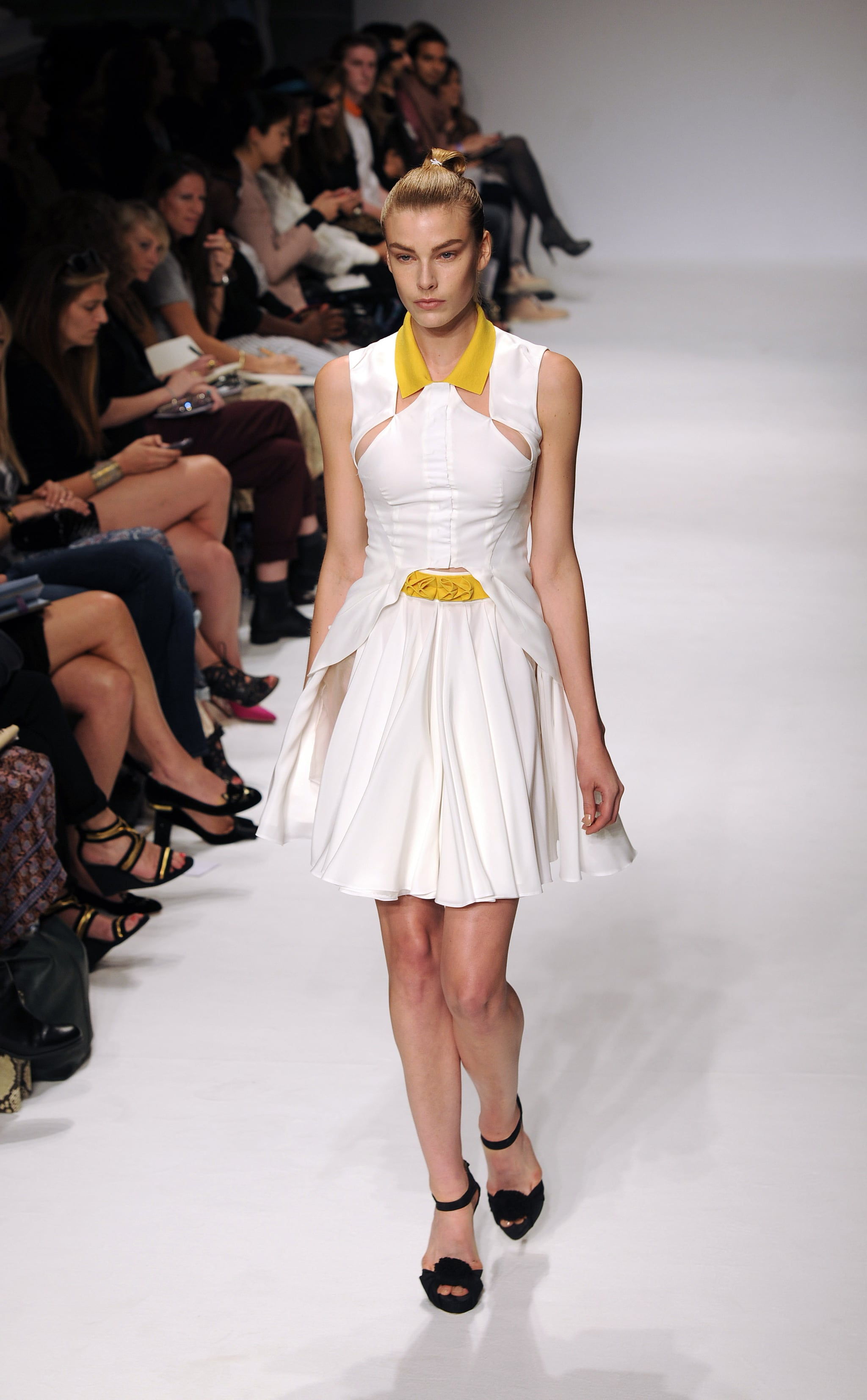 Lou spring dalton runway, Morning Good my love in spanish pictures