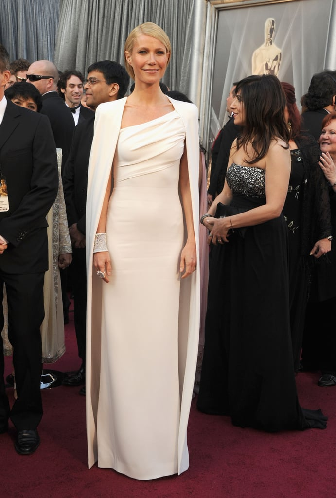 Gwyneth Paltrow Rocks Tom Ford —and a Cape! —to the Oscars