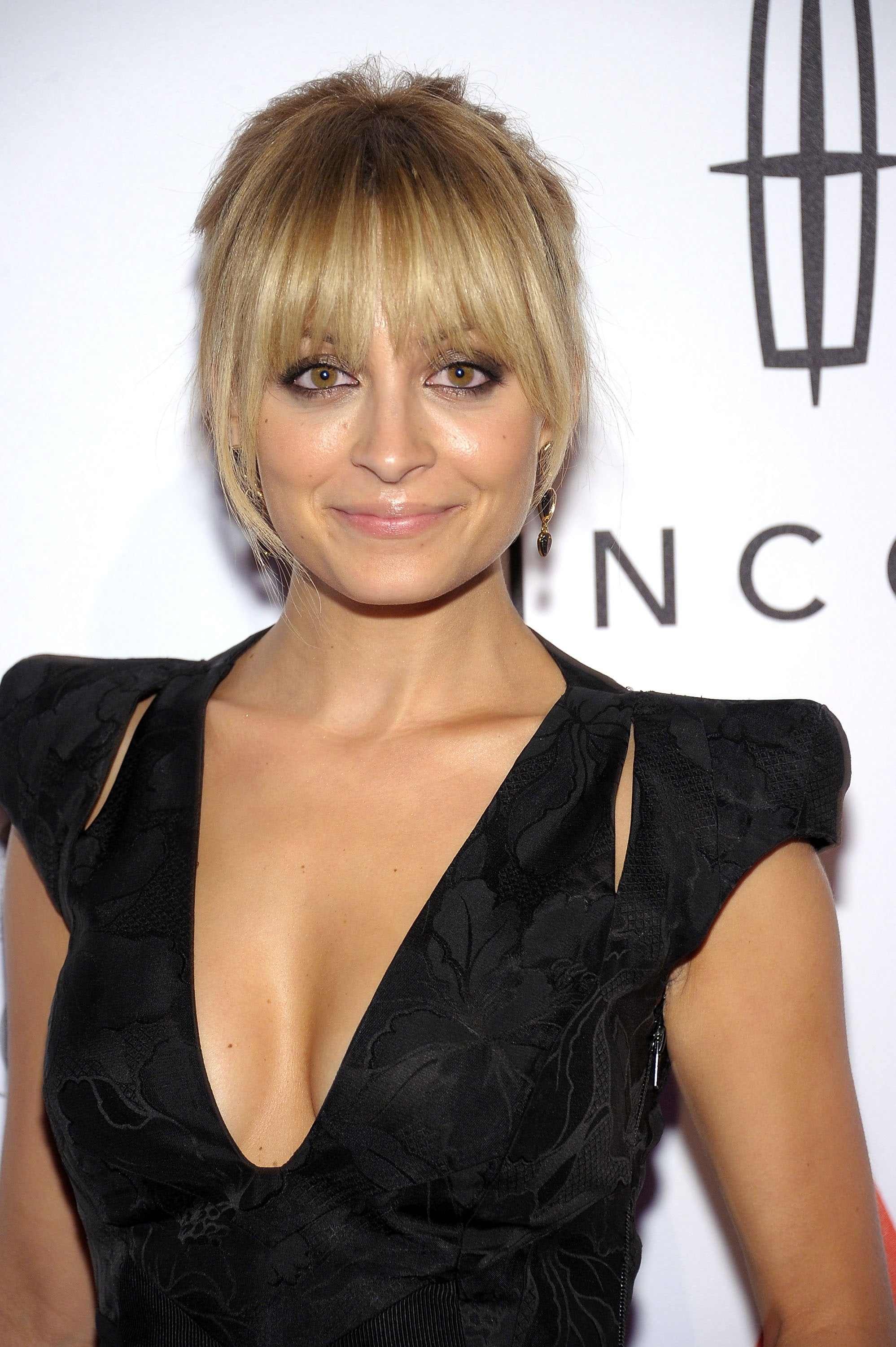 Nicole Richie Tied Her Hair Up For An Awards Show In Nyc Nicole
