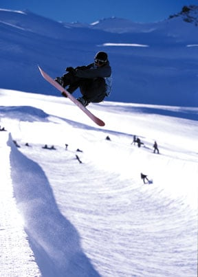 How Many Calories Do You Burn in 1 Hour of Snowboarding?