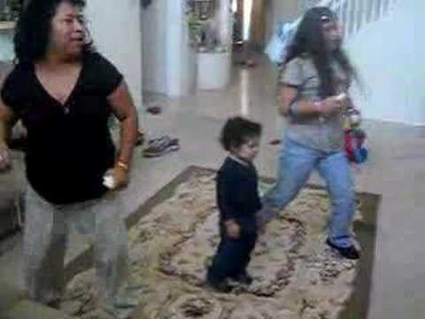 Crazy Wii Video Of The Day: Mother Daughter Combo