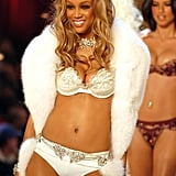 2004: Tyra Banks Wears the Heavenly 70 Fantasy Bra