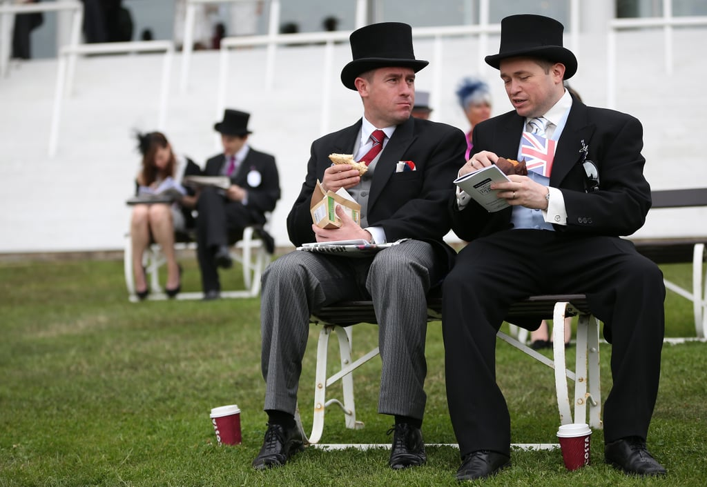 Racegoers sat down before the races.