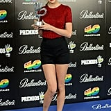 Taylor Swift posed with her award after the 40 Principales Awards in Madrid.