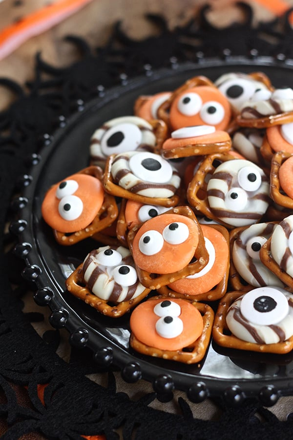 Monster Eye Pretzel Bites