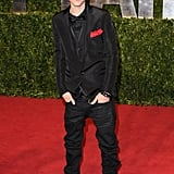 Love how Justin Bieber co-ordinated his kerchief with the red carpet. Nice Dolce & Gabbana suit too.