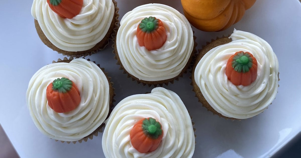 Satisfy Your Fall Sweet Tooth With These Decadent Pumpkin Spice Cupcakes