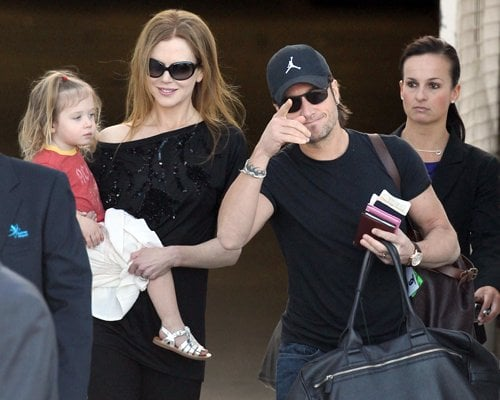 Nicole Kidman was joined by husband Keith Urban and daughter Sunday Rose as they arrived in Sydney, Australia(december 12)