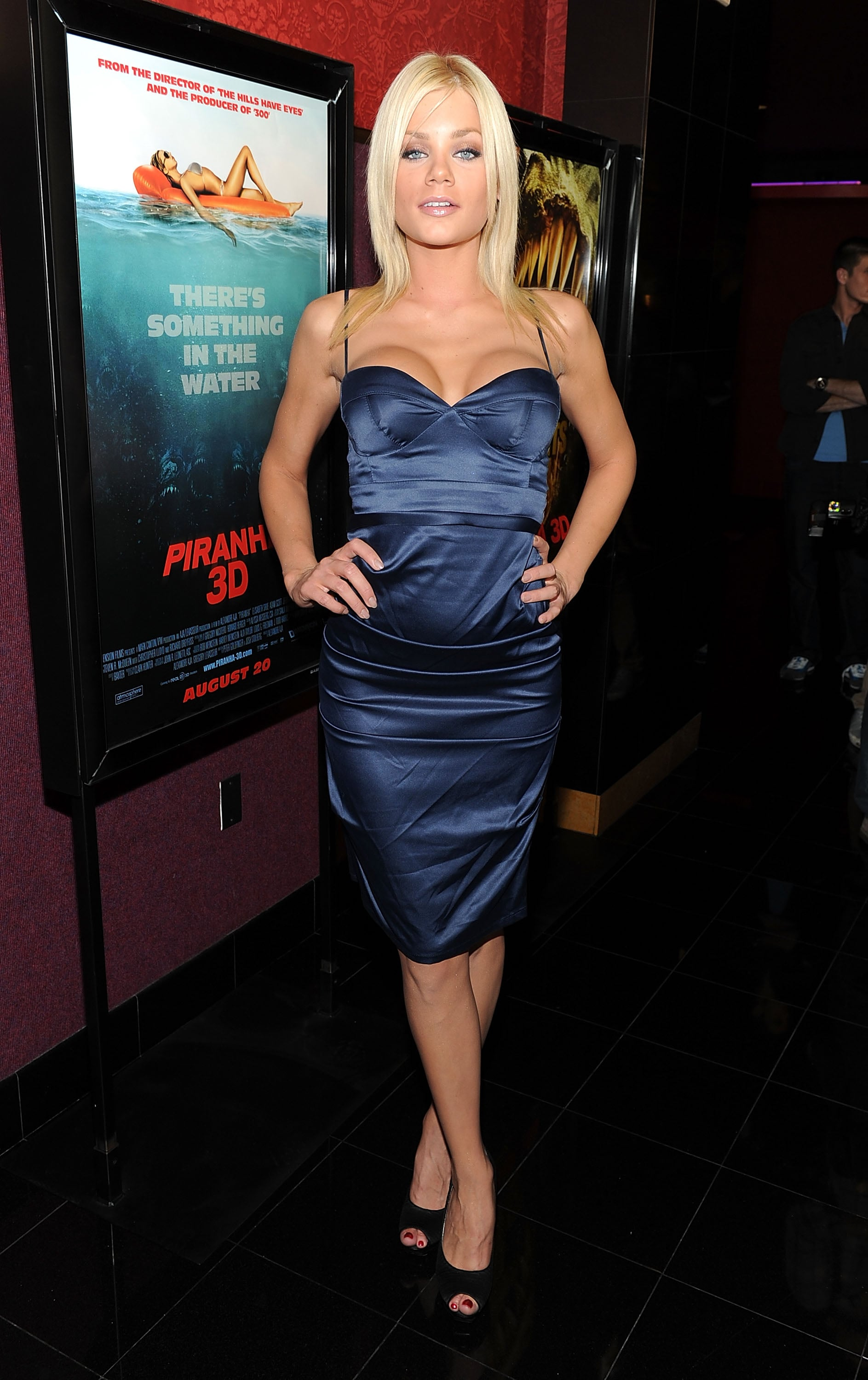 Pictures Of Piranha 3D Premiere Inc Kelly Brooks Naked Month, Jessica Szohr, Riley -7658