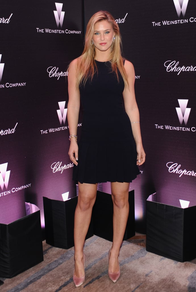 Bar Refaeli Went Sexy In A Short Black Cocktail Dress And -8310