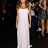 In perhaps her prettiest look of the night, Eva was romantic in a soft-pink strapless dress by Max Mara.
