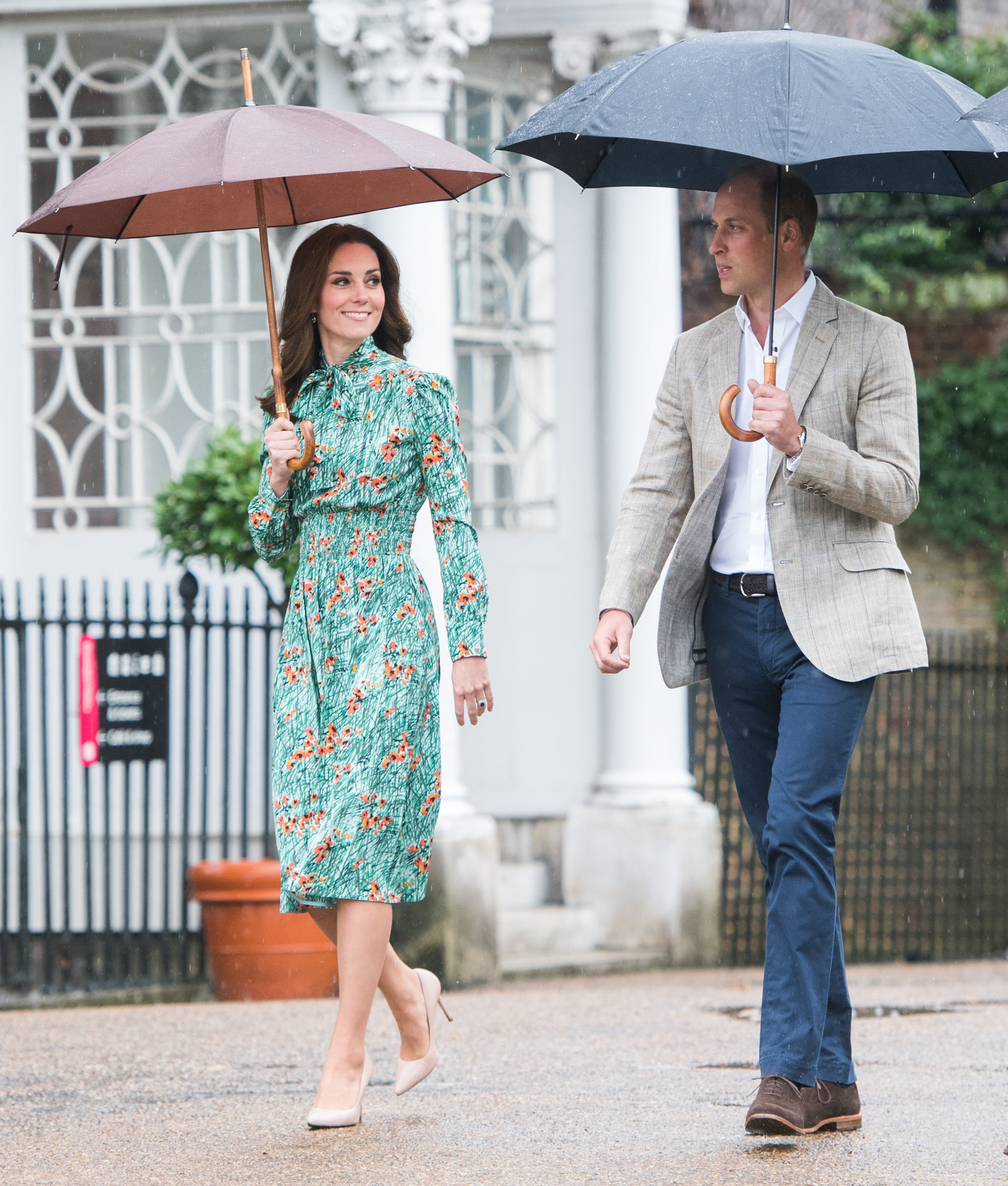 Pippa Middleton comforts Duchess Catherine through morning sickness