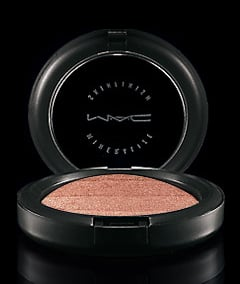 Review of MAC Mineralize Skinfinish Degradé