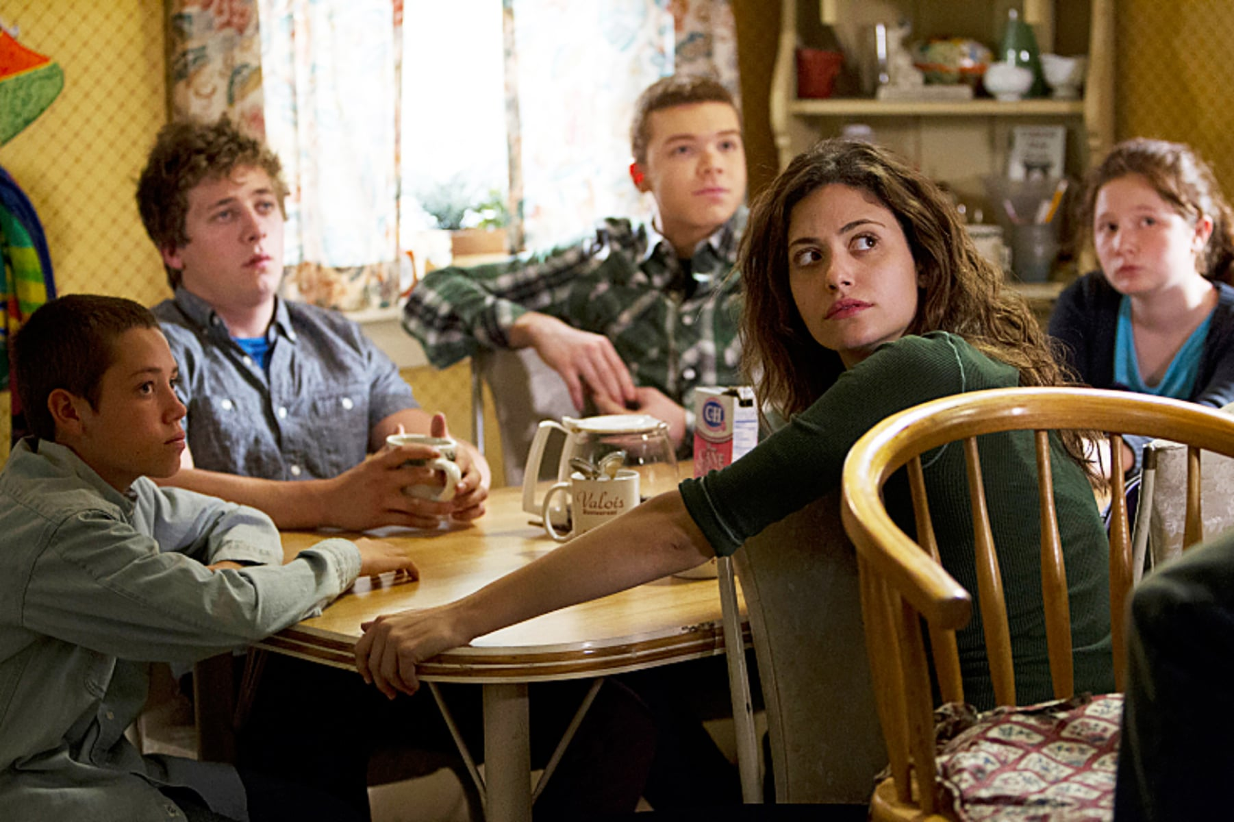 SHAMELESS, l-r: Ethan Cutkosky, Jeremy Allen White, Cameron Monaghan, Emmy Rossum, Emma Kenney in 'Where There's A Will' (Season 3, Episode 8, aired March 10, 2013). ph: Cliff Lipson/Showtime/courtesy Everett Collection