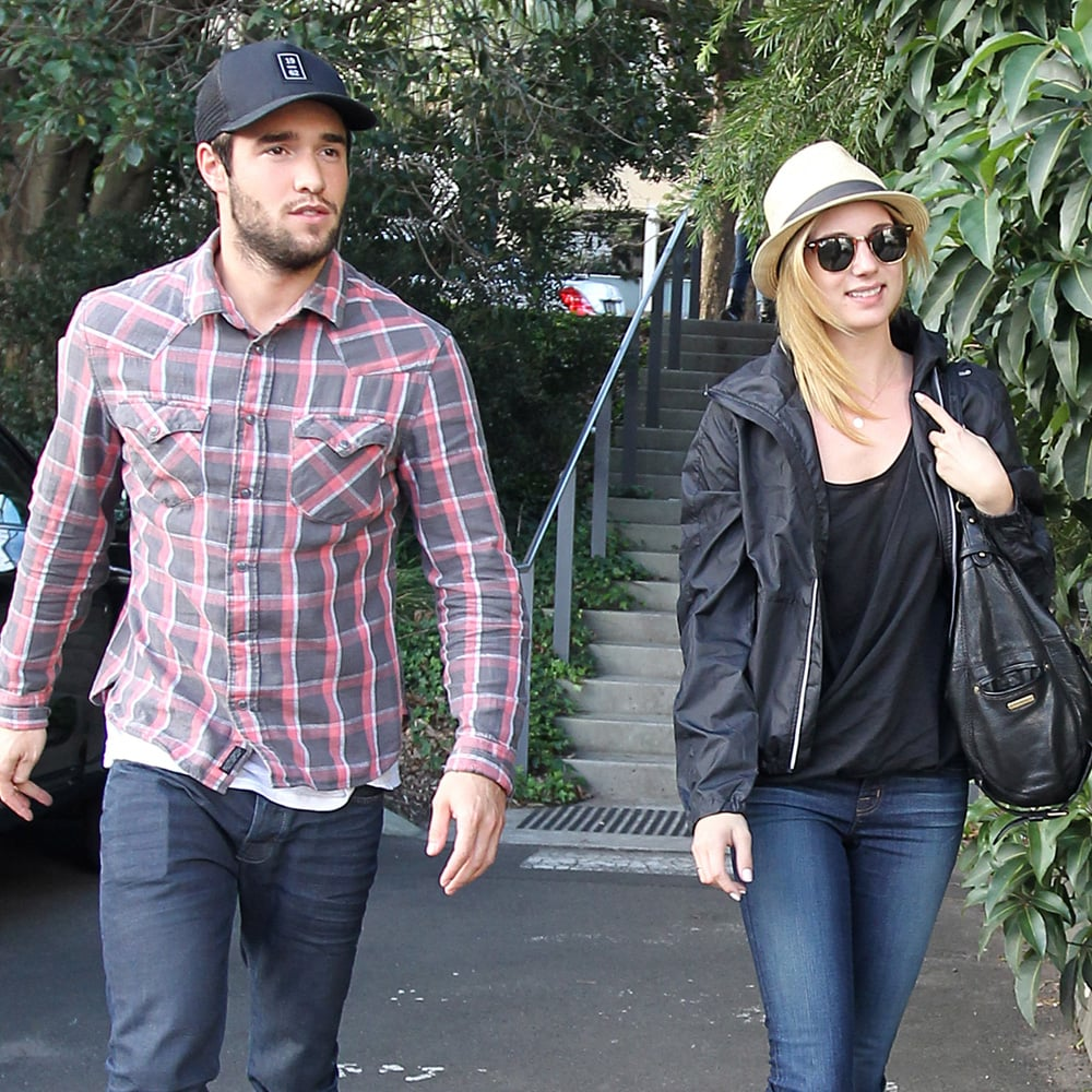 Emily VanCamp Dating Revenge Costar Josh Bowman We Keep It Separate