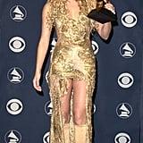 Shakira, 2001