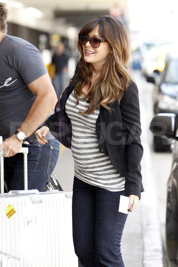 Pregnant Lindsay Price at LAX.