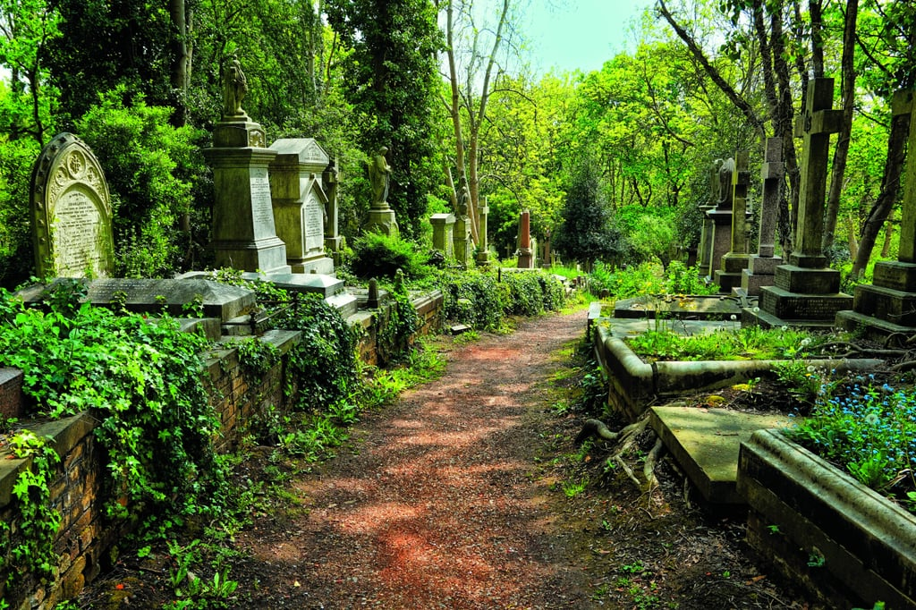 11 Cemeteries That Are Hauntingly Beautiful