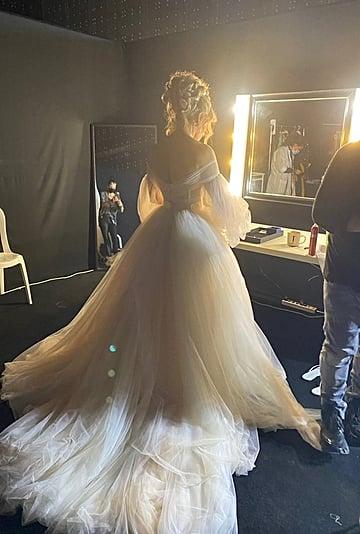 See Jennifer Lopez's Wedding Dress in Shotgun Wedding Movie