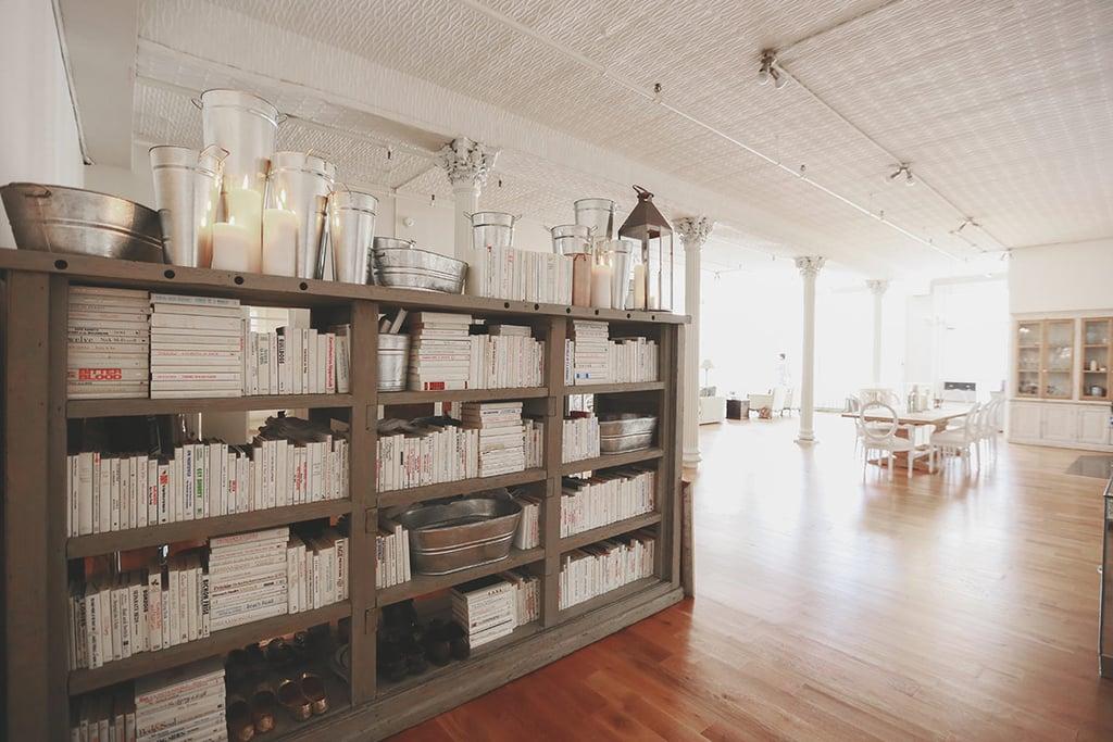 We love this completely white bookshelf!