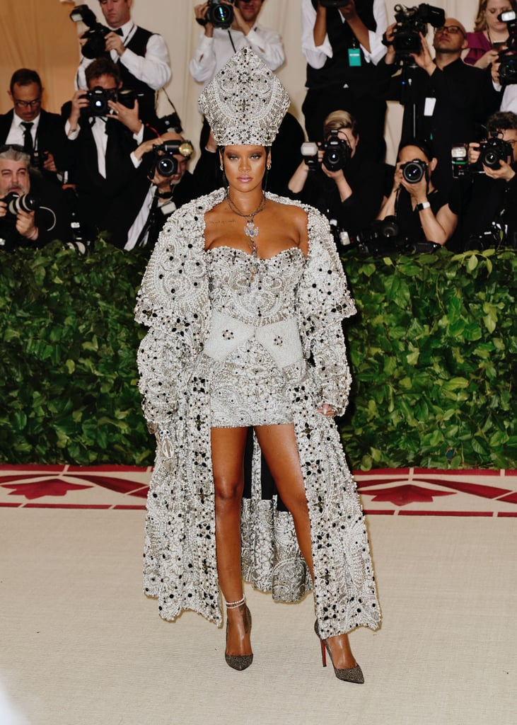 6fd699a283a Rihanna at the Met Gala Pictures