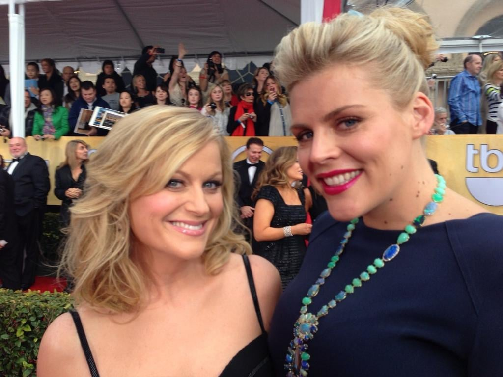 Another Busy Philipps moment, this time with Amy Poehler. Source: Twitter user Busyphilips25