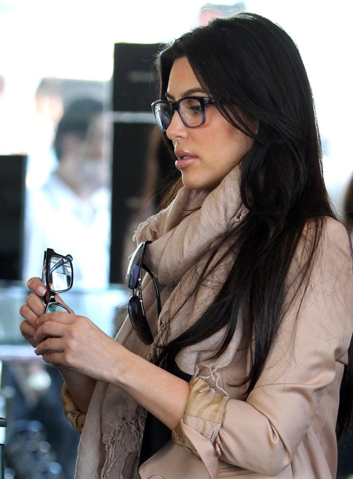 Kim kardashian c l brit s qui portent des lunettes de for Portend or portent