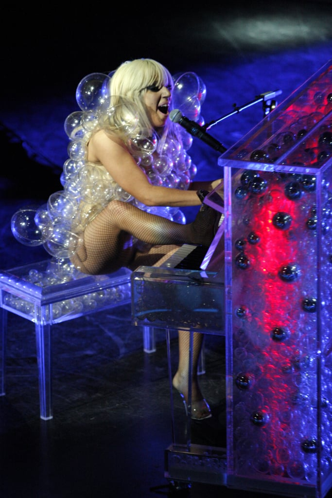 She Flawlessly Executed the Bubble Dress / Bubble Piano Combination