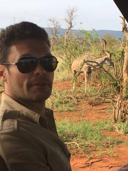 "Ryan Seacrest ""spent the holidays in south africa w the fam and got my jack hanna on."""