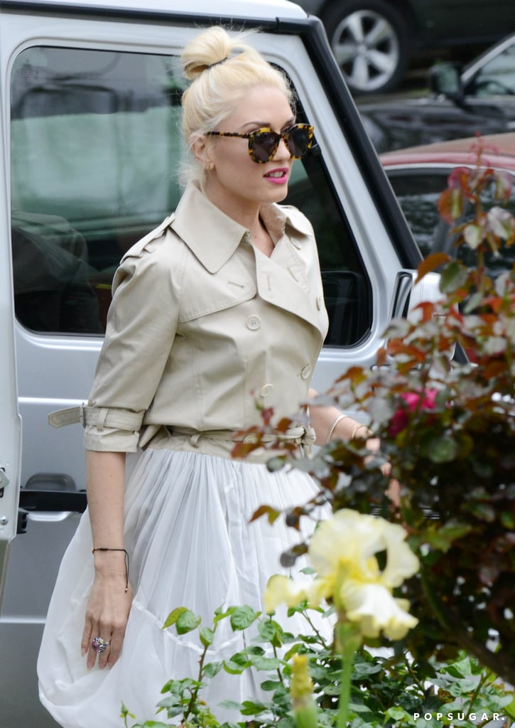 Gwen Stefani wore a white dress to visit her parents' home on Easter.