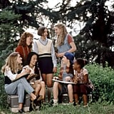 Larisa Oleynik (standing, right) as Dawn Schafer