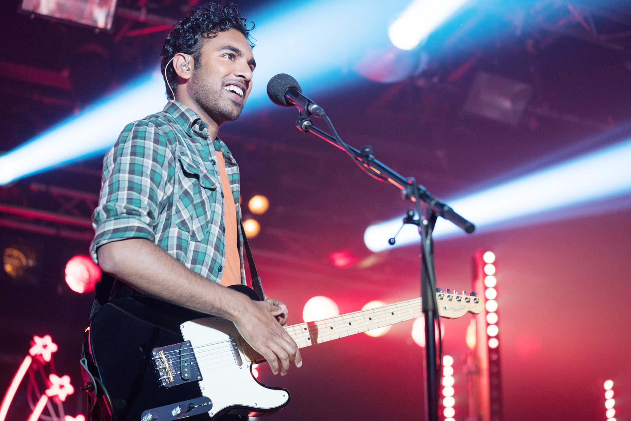We're Swooning Over Himesh Patel's Singing Voice in Yesterday