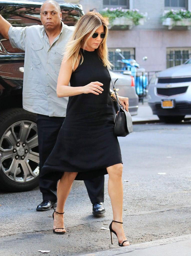 How To Dress Like Jennifer Aniston Popsugar Fashion