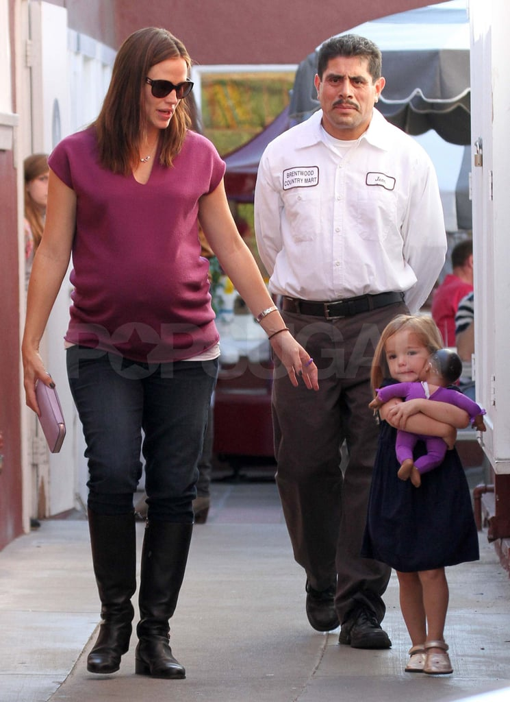 Jennifer Garner and Ben Affleck Treat Violet and Seraphina to Another Family Meal